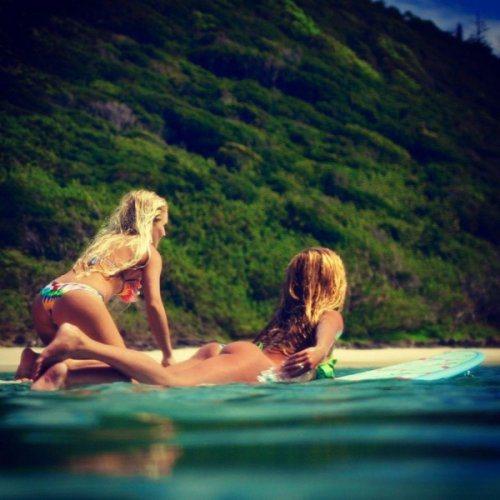 surfer-girls-26-2